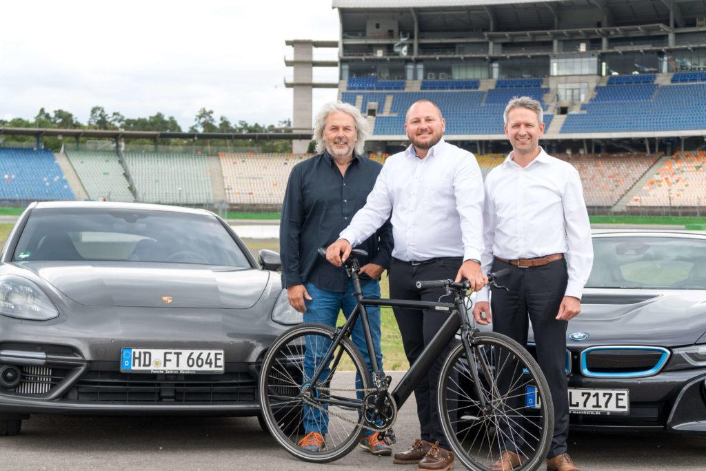 Thomas Reister (emodrom), Sascha Nachtnebel (Greenfinder) und Alexander Nieland (invenio) sind die Initiatoren des e4 TESTIVAL am Hockenheimring