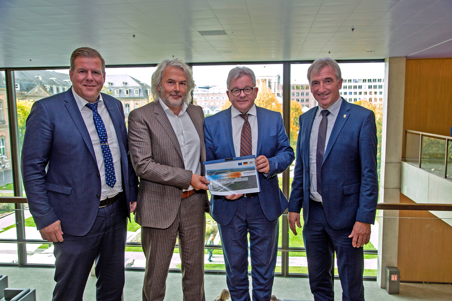 Mayor Marcus Zeitler And Thomas Reister Visited The State Parliament Baden-Wuerttemberg The CDU Deputies Karl Klein And The Minister Of Justice Guido Wolf. You Presented The Strategy Concept Of The Emodrom At The Hockenheimring.